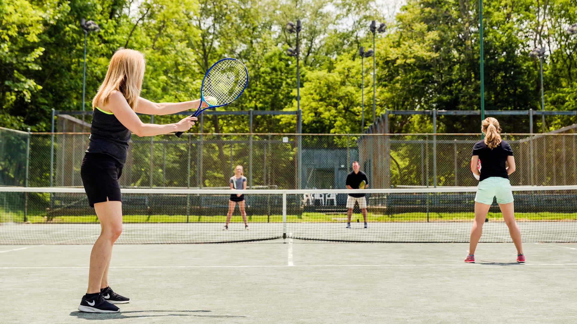 Tennis header photo
